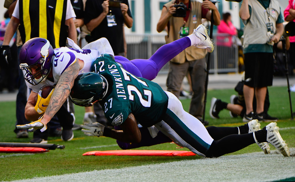 Former Philadelphia Eagles safety Malcolm Jenkins tackles Kyle Rudolph against the Minnesota Vikings