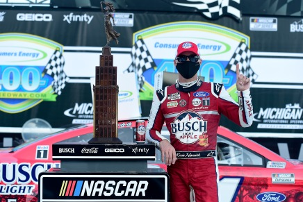 Harvick sweeps Michigan, wins 2020 Consumers Energy 400