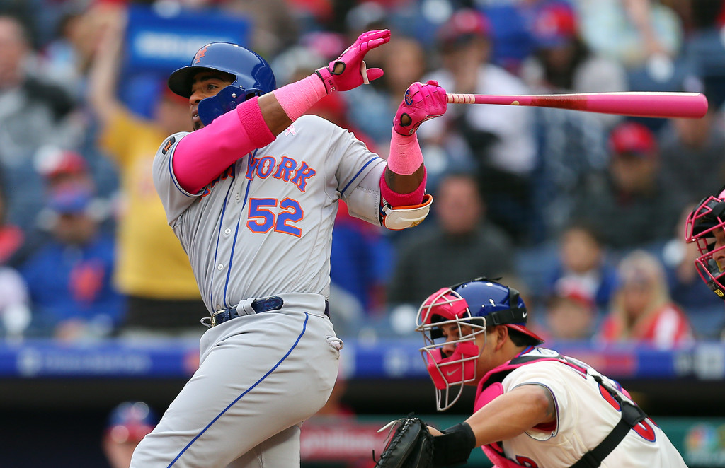 New York Mets outfielder Yoenis Céspedes hits a home run against the Philadelphia Phillies