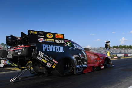 Hagan leads Funny Car field at the 2020 Gatornationals