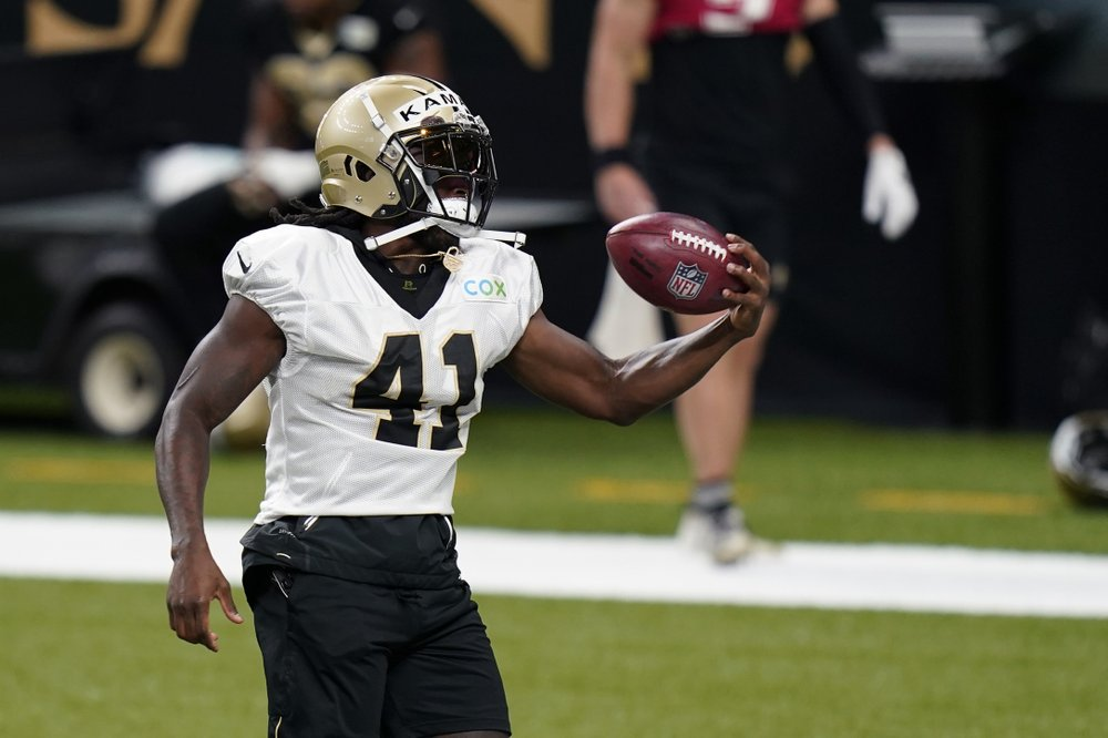 New Orleans Saints running back Alvin Kamara catches a pass during NFL football practice