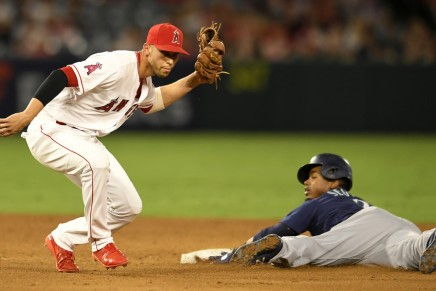Angels' Andrelton Simmons quits with five games left