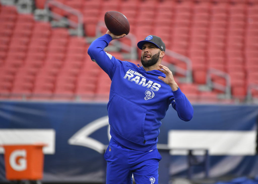 Former Los Angeles Rams quarterback Blake Bortles warms up before playing the Arizona Cardinals