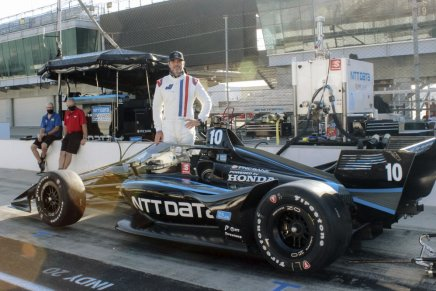 Jimmie Johnson announces IndyCar program for 2021 and2022