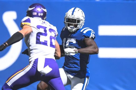 Colts' Parris Campbell injured knee against Vikings