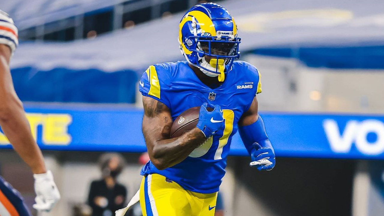 Los Angeles Rams tight end Gerald Everett caught a touchdown reception against the Chicago Bears on Monday Night Football