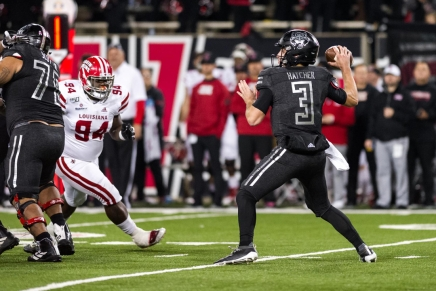 Virtual Game Ball: Hatcher helps lead the Red Wolves over GSPanthers