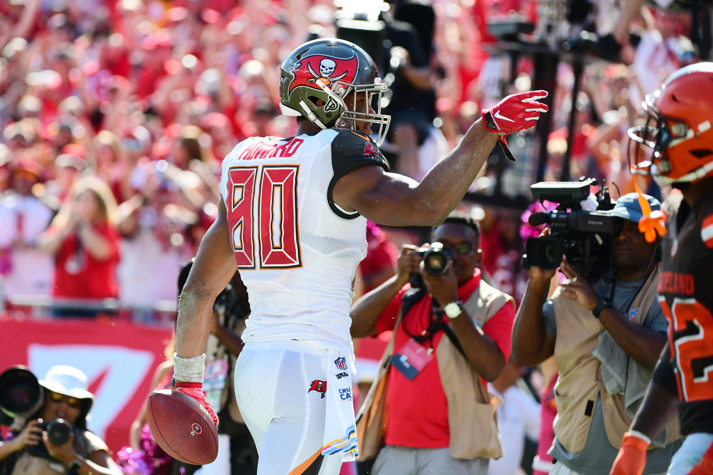 Tampa Bay Buccaneers tight end O.J. Howard signals for a first down after making a 24-yard reception against the Cleveland Browns