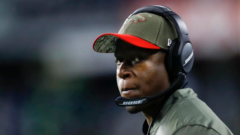 Atlanta Falcons assistant coach Raheem Morris on the sidelines during an NFL game