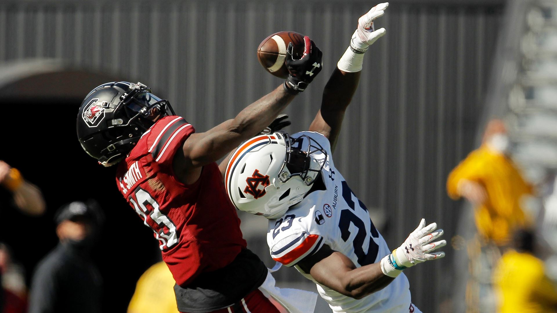 South Carolina wide receiver Shi Smith reaches for a reception against the Auburn Tigers