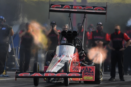Torrence has the Texas two-steps, sweeps Dallas, Houston No. 1qualifiers