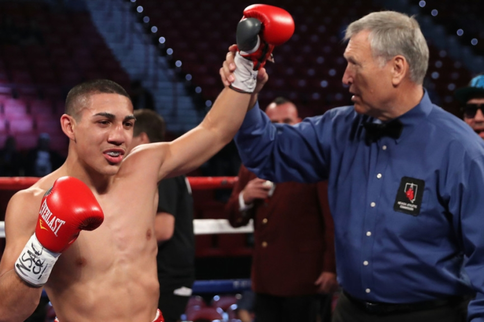 López Jr. with the huge upset, defeats Lomachenko by UD