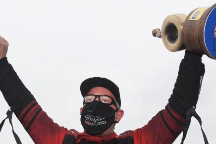 Johnson Jr. wins 20th Funny Car Wally at 2020SpringNationals