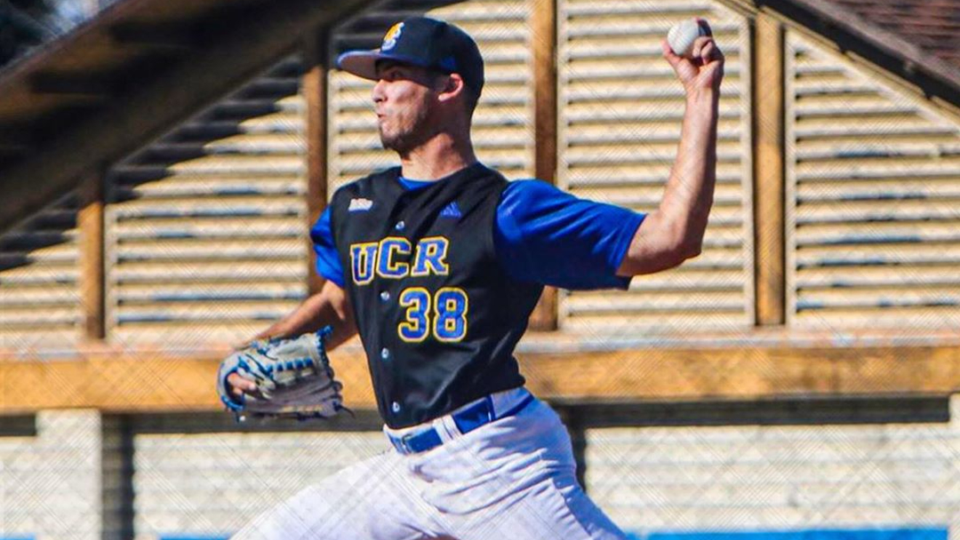 UCR Highlanders pitcher Shamus Lyons throwing a pitch in a game in a 2020 contest