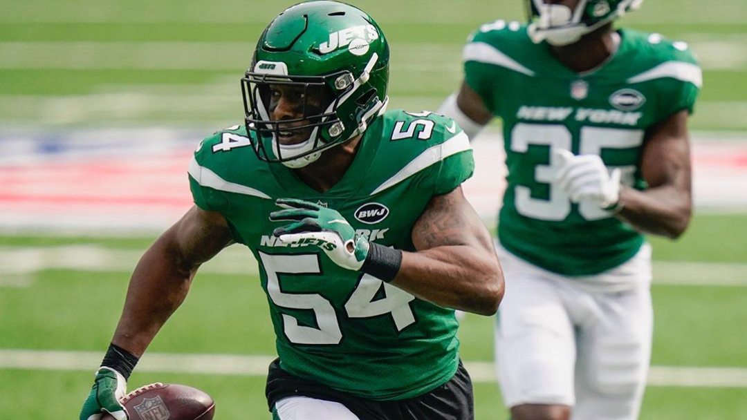 Former New York Jets linebacker Avery Williamson has an interception in a 30-10 loss to the Arizona Cardinals