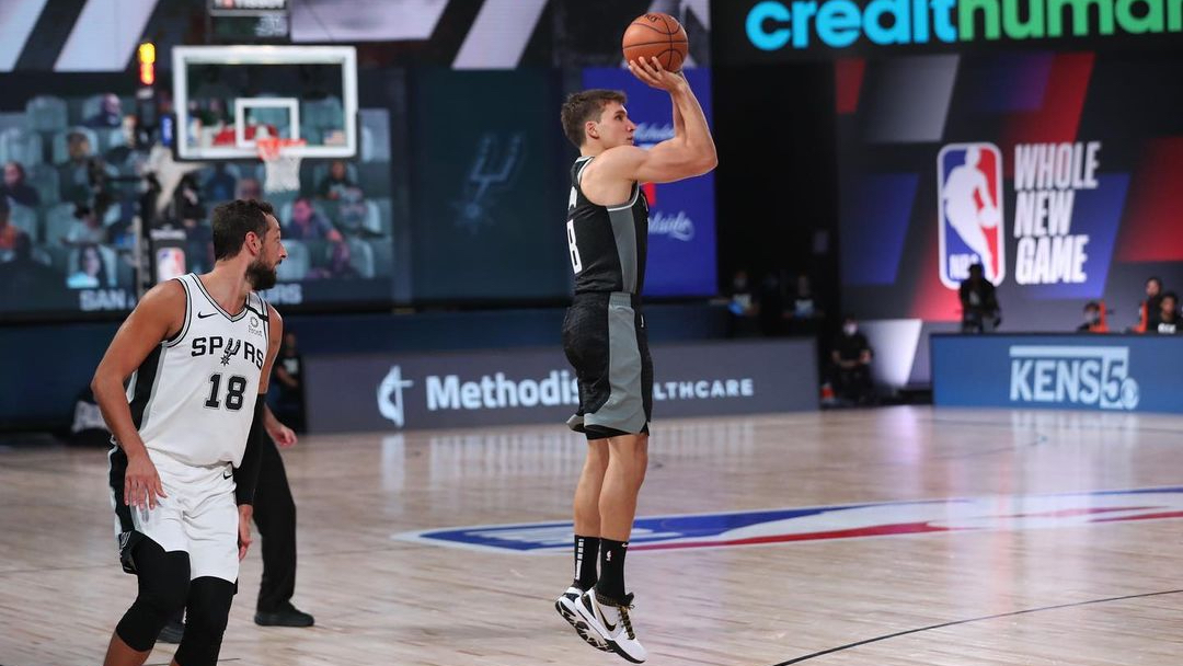 Sacramento Kings swingman Bogdan Bogdanović attempts a shot against the San Antonio Spurs