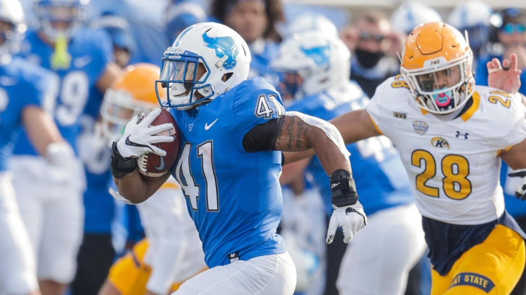 Buffalo Bulls running back Jaret Patterson carries the football against the Kent State Golden Flashes
