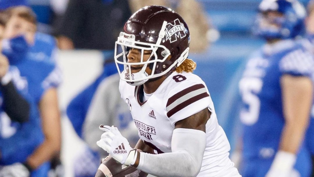 Mississippi State Bulldogs running back Kylin Hill carries the ball against the Kentucky Wildcats