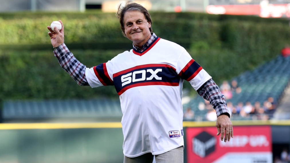 Former Chicago White Sox manager Tony La Russa throws out the first pitch before the Chicago White Sox and Detroit Tigers game