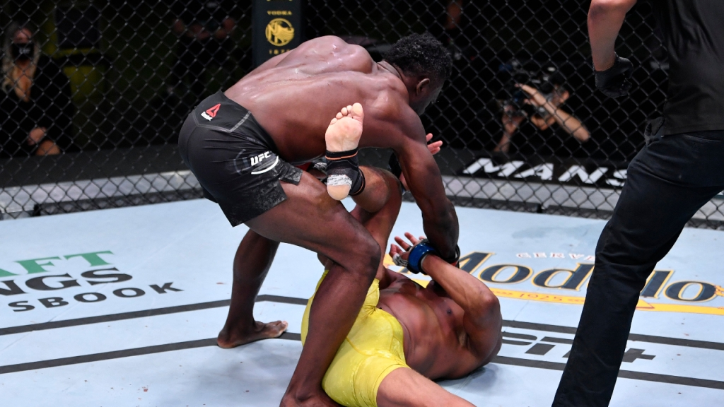 UFC competitor Uriah Hall knocks out MMA legend Anderson Silva