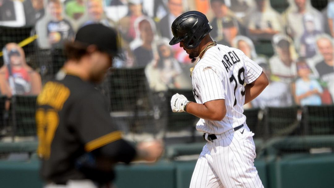 Chicago White Sox first baseman José Abreu hits a home run against the Pittsburgh Pirates