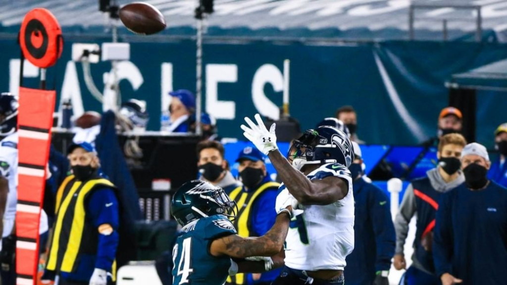 Seattle Seahawks wide receiver DK Metcalf makes a reception against the Philadelphia Eagles