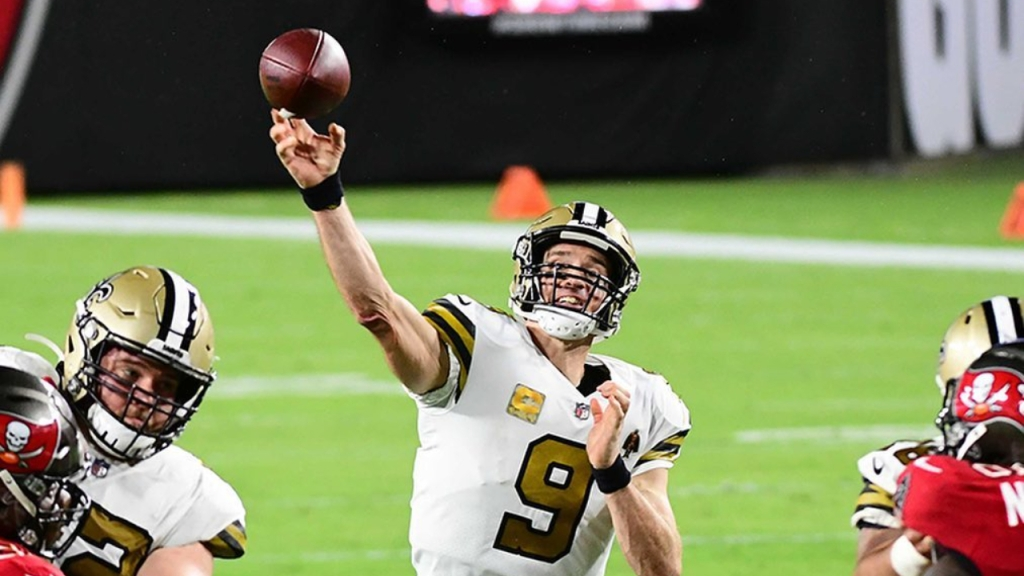 New Orleans Saints quarterback Drew Brees attempts a pass against the Tampa Bay Buccaneers