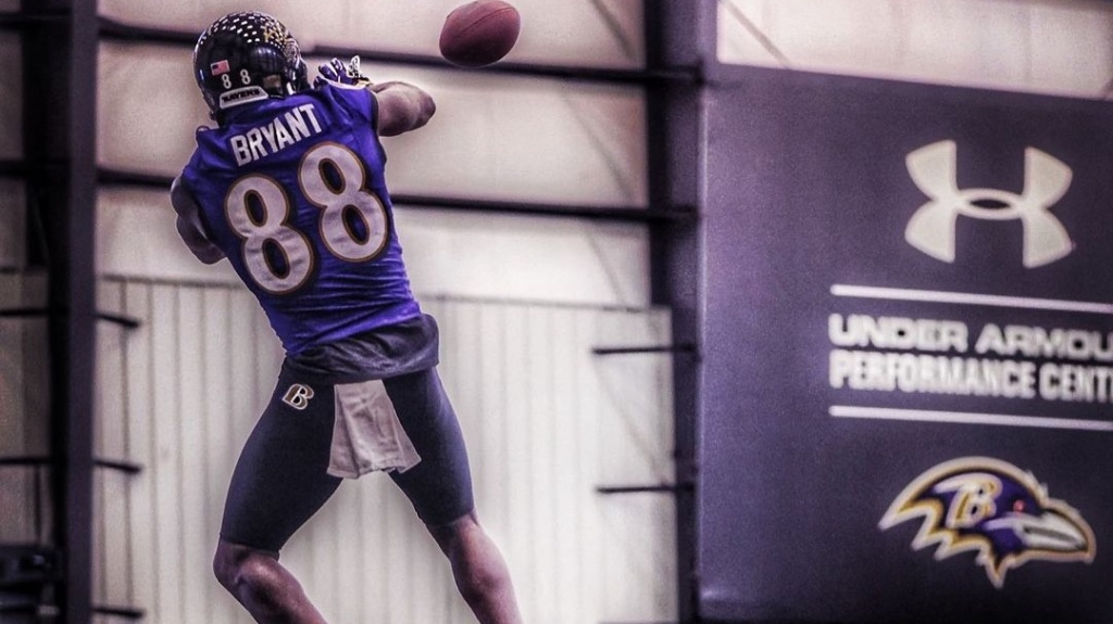 Baltimore Ravens wide receiver Dez Bryant makes a catch in practice at the team's practice facility