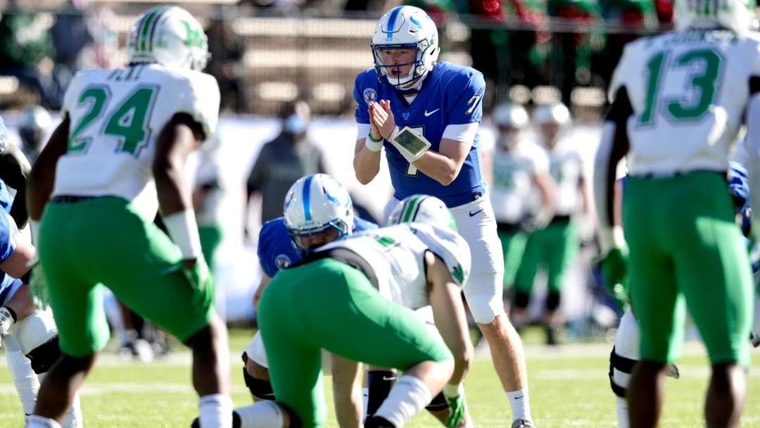 Buffalo Bulls quarterback Kyle Vantrease prepares to take a snap against the Marshall Thundering Herd in the 2020 Camellia Bowl