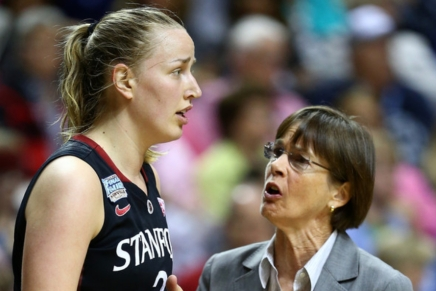 Stanford's VanDerveer now has more wins than any women's basketball coach