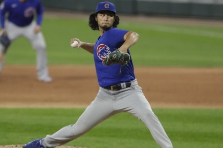 Padres officially acquire Darvish,Caratini