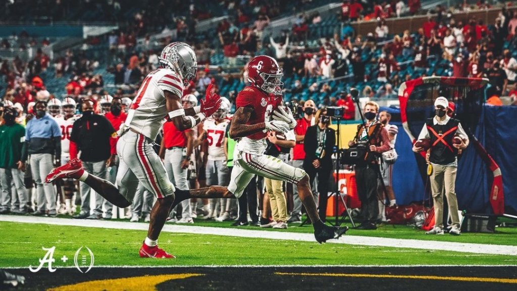 Alabama Crimson Tide wide receiver DeVonta Smith scores a touchdown against the Ohio State Buckeyes in the College Football Playoff National Championship game