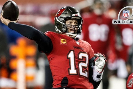 Buccaneers win first playoff game in nearly two decades overWFT