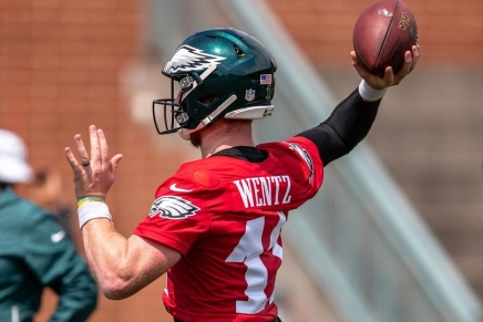Eagles agree to trade Wentz to Colts in proposeddeal
