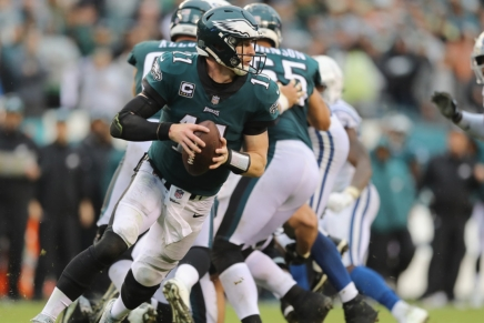 Throwback: Wentz guides the Eagles to a win over theColts