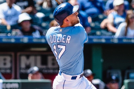 Royals finalizing four-year deal with HunterDozier