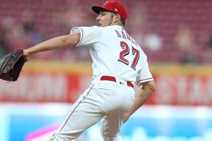 Trevor Bauer signs a three-year, $102 million with theDodgers