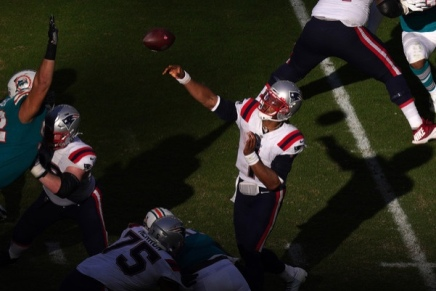 Patriots re-sign Cam Newton for 2021season