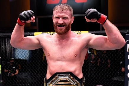 Blachowicz defeats previously undefeated Adesanya at UFC 259