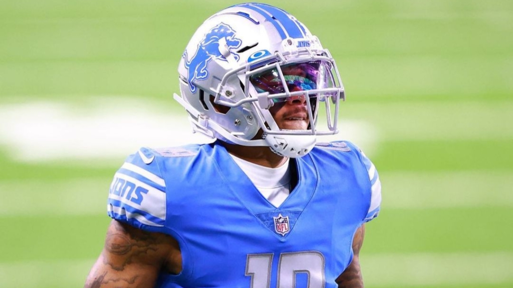 Former Detroit Lions wide receiver Kenny Golladay warms up before a game