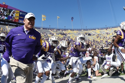 Kansas places Les Miles on administrative leave following 2013 allegations
