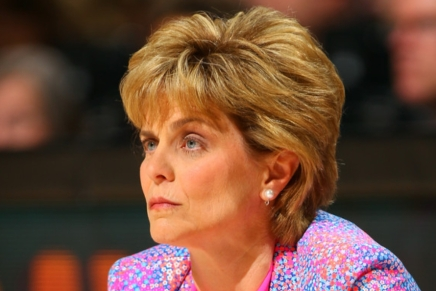 LSU hits home run: hires Mulkey as WBB coach