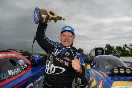 Hight defeats Capps for 52ndwin