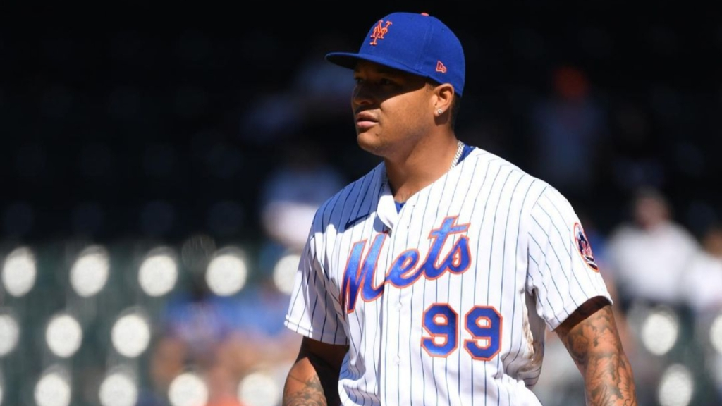 New York Mets pitcher Taijuan Walker takes a break before a pitch against the Miami Marlins